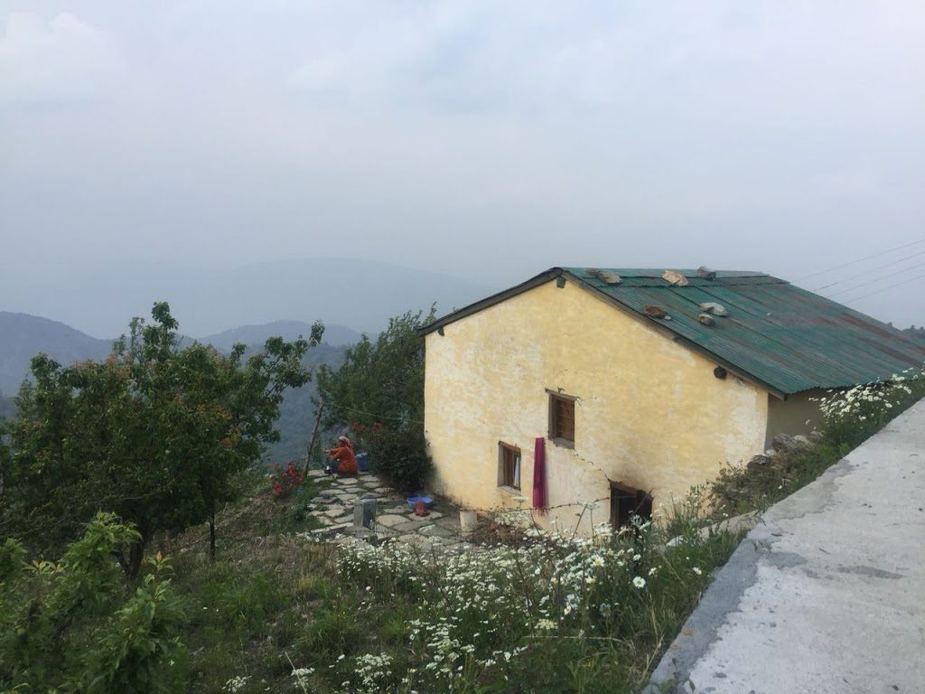 26 lacs – Old Village Home Along With 2.5 Nali Land in Hartola, Uttarakhand